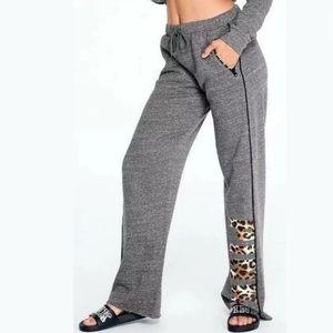 VS PINK Boyfriend pant sweatpants leopard logo